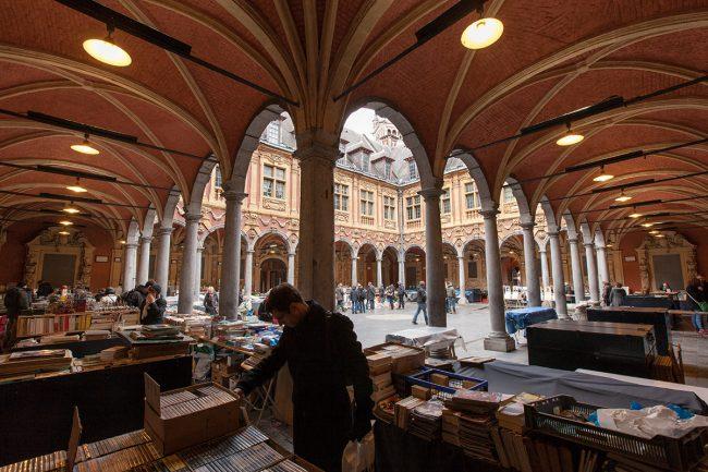 Lille - Vieille Bourse Marché aux livres ©Thomas Karges